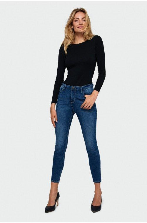 klasyczne spodnie jeansowe